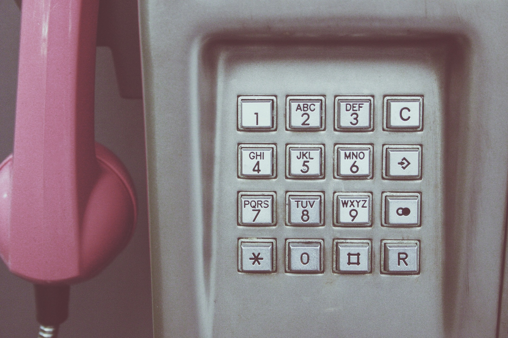 Reduce call volumes and improve the customer experience